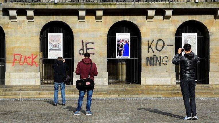 In 2015 werden de woorden 'Fuck de koning' op het Paleis op de Dam gespoten Beeld anp