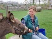 Sabine Hermsen komt  helemaal tot rust op de kinderboerderij in Elst
