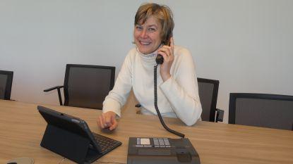 """Deinze vergeet haar senioren niet in coronacrisis: """"Belronde bij alle 75-plussers, maaltijden aan huis en radioprogramma's"""""""