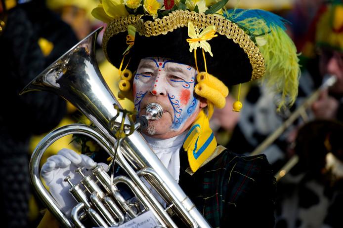 Carnavalsliefhebbers kunnen dit weekend terecht bij minstens 858 van deze optochten, blijkt uit gegevens van optochtenkalender.nl.
