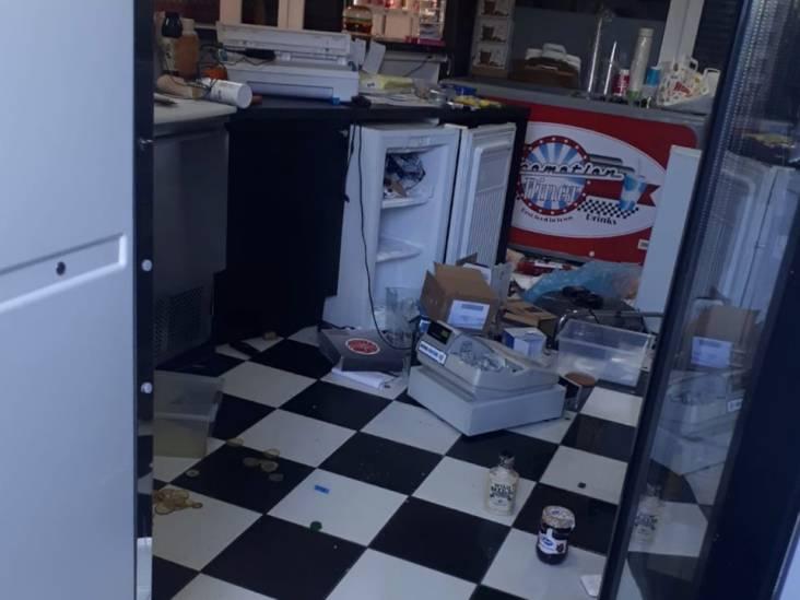 Stomdronken man (35) breekt in bij Locomotion Diner in Maarheeze en neemt 30 blikjes en flesjes frisdrank mee