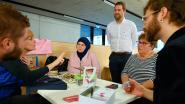 Caféklap in bib geeft anderstaligen kans om Nederlands te oefenen