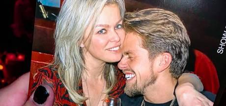André en Bridget bezegelen hun liefde met gouden kettinkjes in Rome