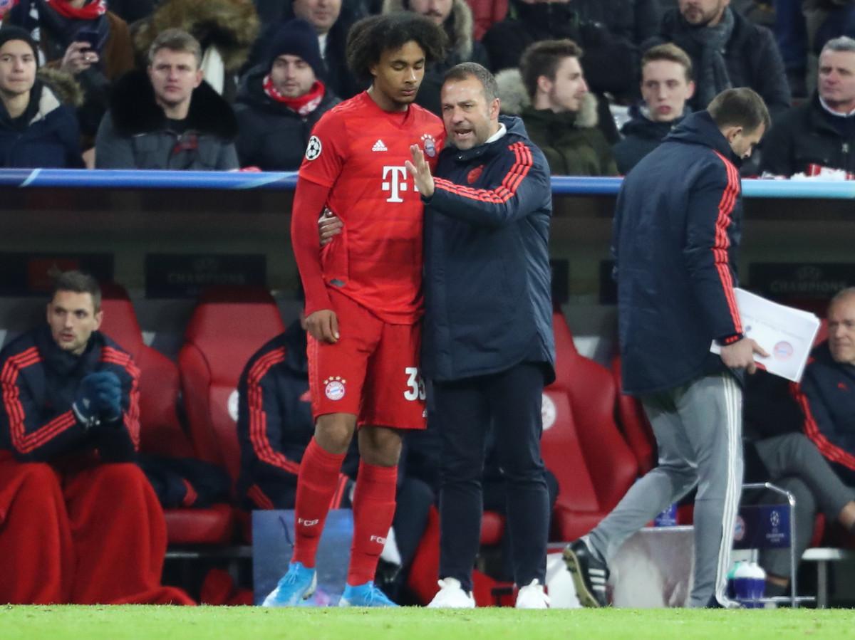 Joshua Zirkzee maakt als invaller bij Bayern zijn debuut in de Champions League.