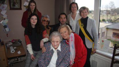Ludovica met haar 105 de tweede oudste Aalstenaar