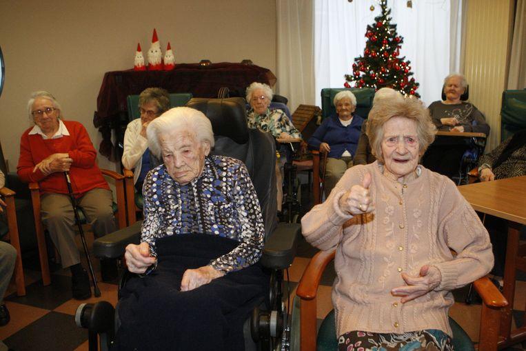 Mia Sante en Anna Van Brussel verblijven samen in rusthuis Sint-Rochus.