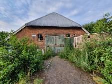 Discussie over sloop van vervallen monumentale boerderij in Kampen: 'Sodemieter op, je had moeten handhaven'