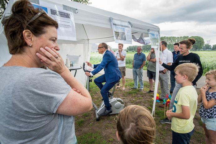 Archieffoto van veldexcursie van de gemeente Oosterhout organiseert in de Oranjepolder.