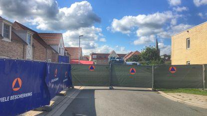 Wijk in Varsenare hermetisch afgesloten voor reconstructie gezinsdrama