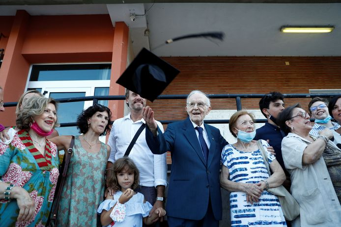 Giuseppe Paterno avec sa famille après la cérémonie.