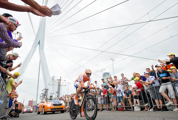 De proloog van de Tour de France over de Erasmusbrug.