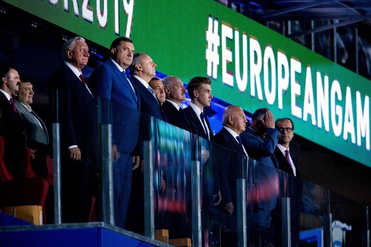 Spyros Capralos (linksvoor), tijdens de opening van de Europese Spelen. Beeld BSR Agency