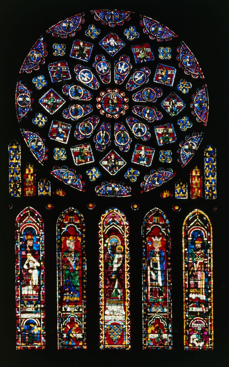 Het zuidelijke roosvenster in de Notre-Dama.  Beeld De Agostini via Getty Images
