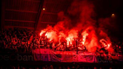 Football Talk. Antwerp zwaar gestraft voor gooien brandpotten tegen Genk - Trossard opnieuw fit