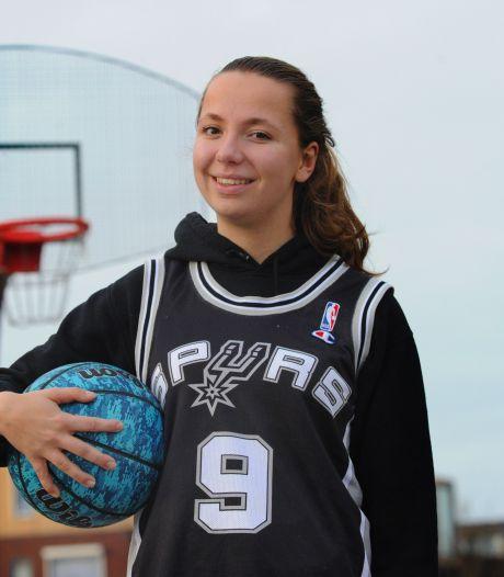 Basketbalster Van Saagsvelt merkt dat ze een ander soort conditie heeft dan haar vriendinnen