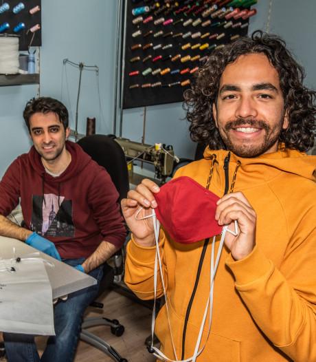 Mondkapjes uit ateliers Zwolle, naar Chinees voorbeeld: 'Originele kunnen zo naar de zorg'