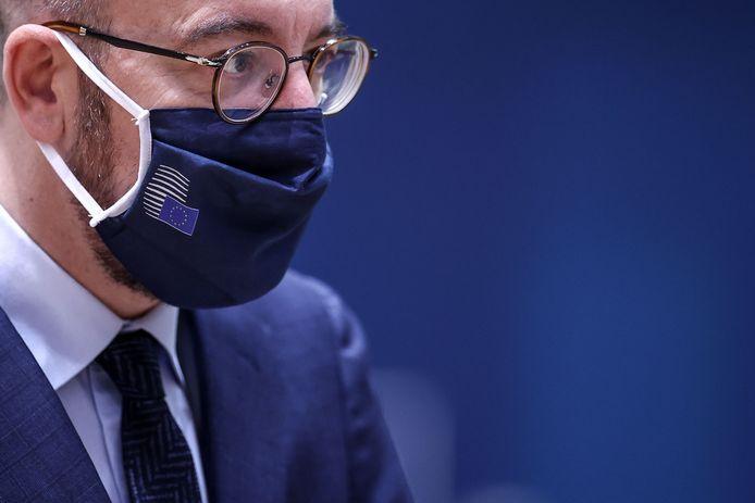 EU-president Charles Michel met Velps mondkapje.