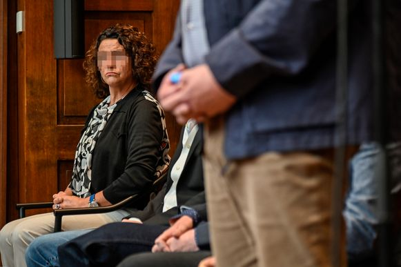 """Vera Schouppe hoorde tijdens haar proces vier jaar cel tegen zich gevorderd. """"Terwijl ik ervoor zorgde dat er onderzoek naar de drugshandel kon starten. Ik was ten einde raad"""", zegt ze."""