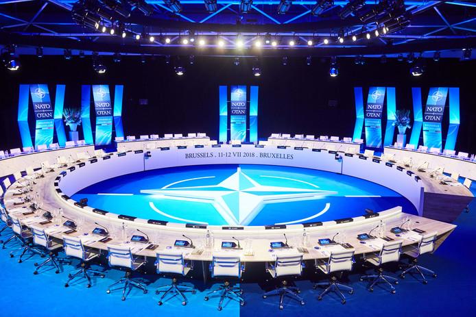 De vergadertafel voor de Navo top met vergaderapparatuur van Bosch in Eindhoven.