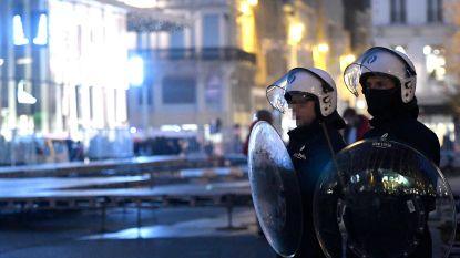 Agent screent élke match wereldwijd om nieuwe rellen in Brussel te voorkomen