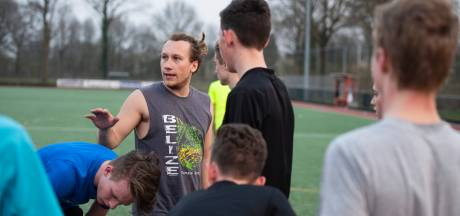 B1 hockeyclub Nijverdal speelt wedstrijd op niveau dankzij Facebook