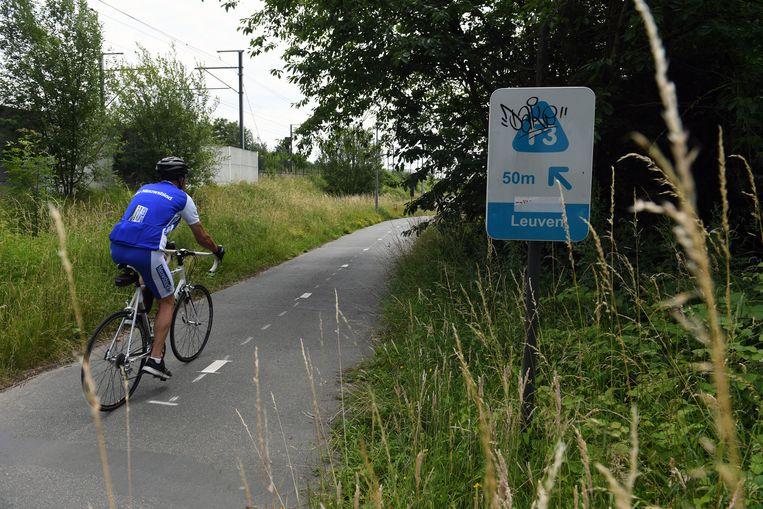 De F3-fietssnelweg tussen Leuven en Brussel is erg in trek bij fietsers. Vorig jaar werden er dagelijks gemiddeld 832 fietsers geteld, 65 procent meer dan in 2012.