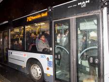 Forse vertraging Hoekse Lijn: reizigers en politici woedend