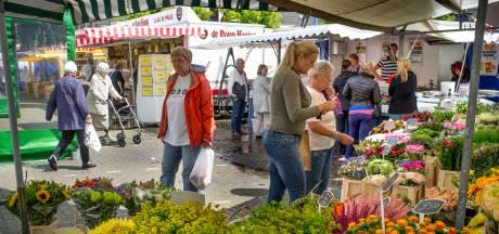 Veegwagen in de strijd tegen afval na Maassluise markt