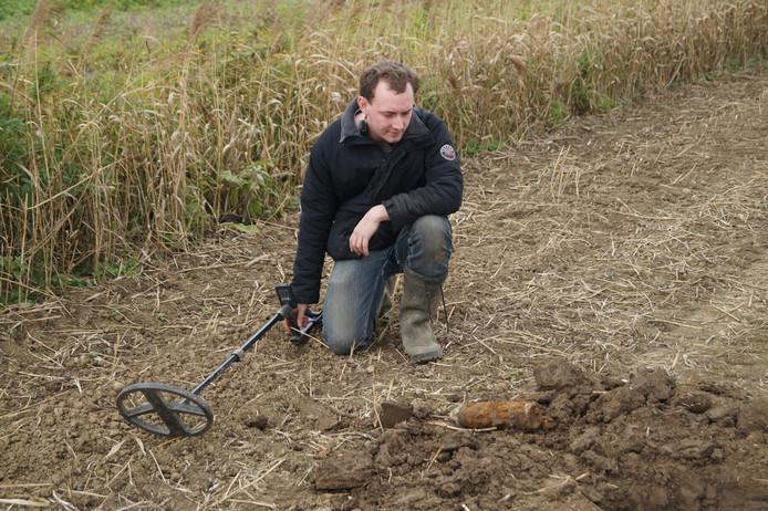 Tim Beerens vond de granaat met zijn metaaldetector.