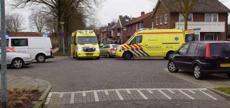 Ouder echtpaar geschept door auto in Lichtenvoorde: paar meter meegesleurd