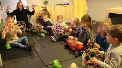 Mindfulness en relaxatie zelfs bij kleuters: dorpsschooltje Twinkel krijgt elk kind rustig