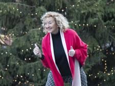 250 kerstmannen moeten centrum van Nijverdal rood laten kleuren tijden Santa Run