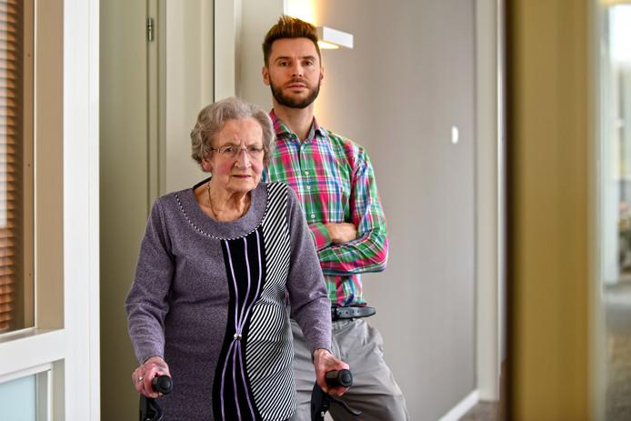 Elisabeth Bastiaansen met haar kleinzoon Marcel.