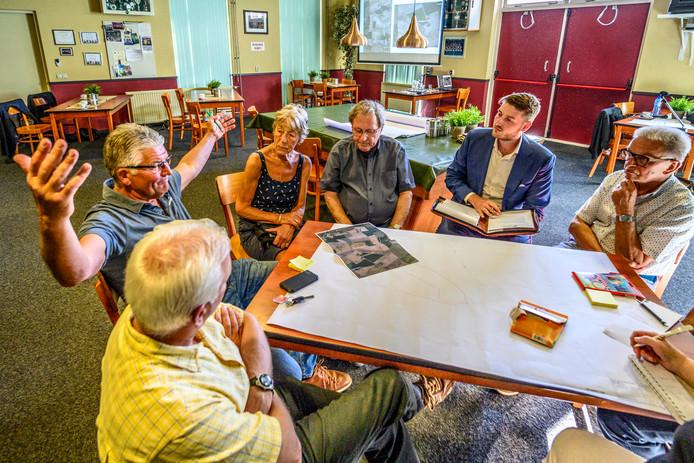 Een van de avonden waarbij inwoners mee mochten praten over de plannen in Wouw.