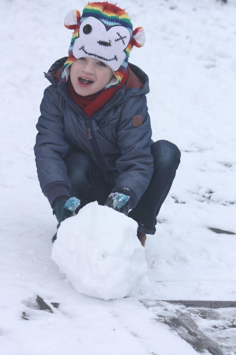 SNEEUW - Sneeuwpret in GO! Basisschool de Zandlopertjes vestiging Groenendijk in Bredene