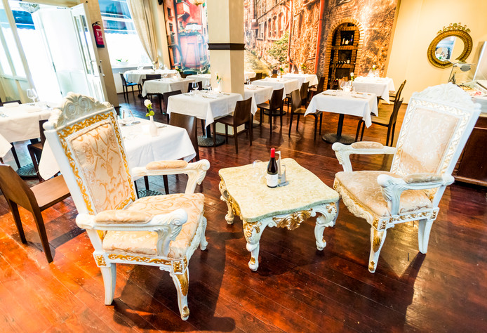 Het Italiaanse restaurant Carpe Diem in Rotterdam belooft veel goeds. Een lekkere Italiaanse inrichting, mooie kaart, een knipogende Italiaanse ober. We plukken graag de dag, dus wat kan er misgaan? Aardig wat, zo blijkt.