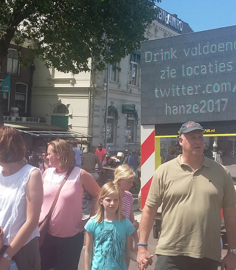 'Drink voldoende' op laatste warme Hanzedag in Kampen
