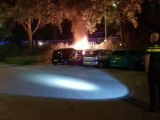 Auto brandt uit aan Costerweg in Wageningen