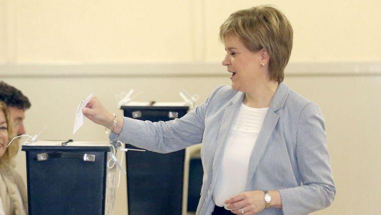 De Schotse premier Nicola Sturgeon stemde donderdag tegen het vertrek van het Verenigd Koninkrijk uit de Europese Unie. Beeld ap