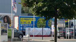 Vrouw overlijdt nadat ze onder truck terecht komt op parking Lidl Kapellen