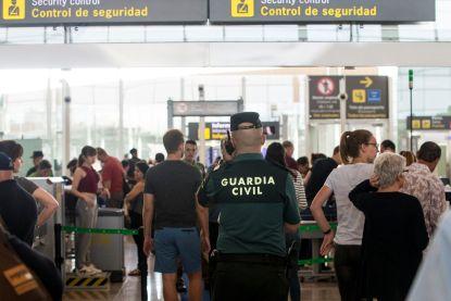 Spaanse luchthaven waarschuwt voor deze 10 criminele trucs