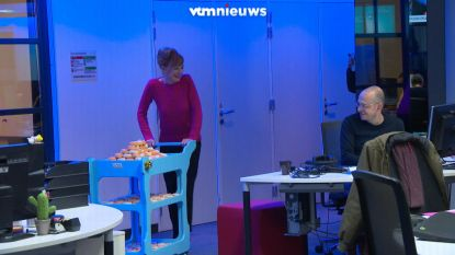 VIDEO. 'Simonneke' trakteert VTM op donuts voor dertigste verjaardag