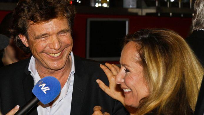John de Mol en Angela Groothuizen tijdens een eerdere perspresentatie van The Voice of Holland. © BRUNOPRESS