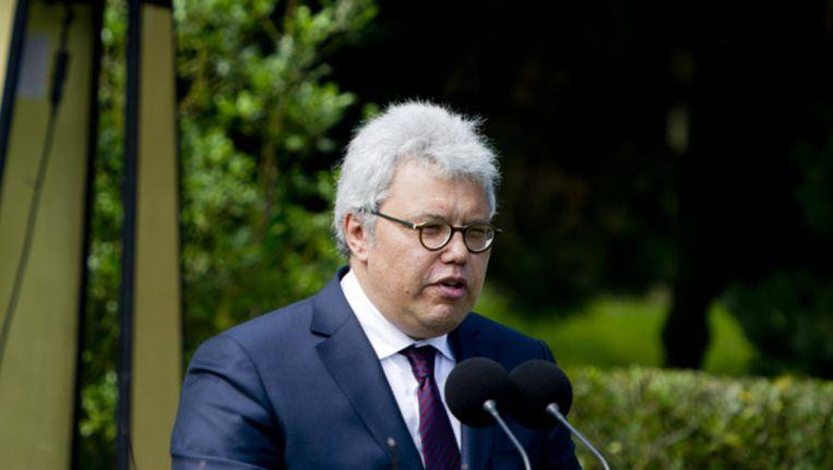 Theodor Holman spreekt tijdens de Indië-herdenking, vorig jaar augustus. Beeld ANP