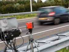 Jonge bestuurder lapt alle regels aan z'n laars op A1: 70 km/u te hard, rijbewijs ingevorderd