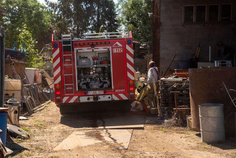De brand ontstond op het terrein van een ijzerhandelaar.
