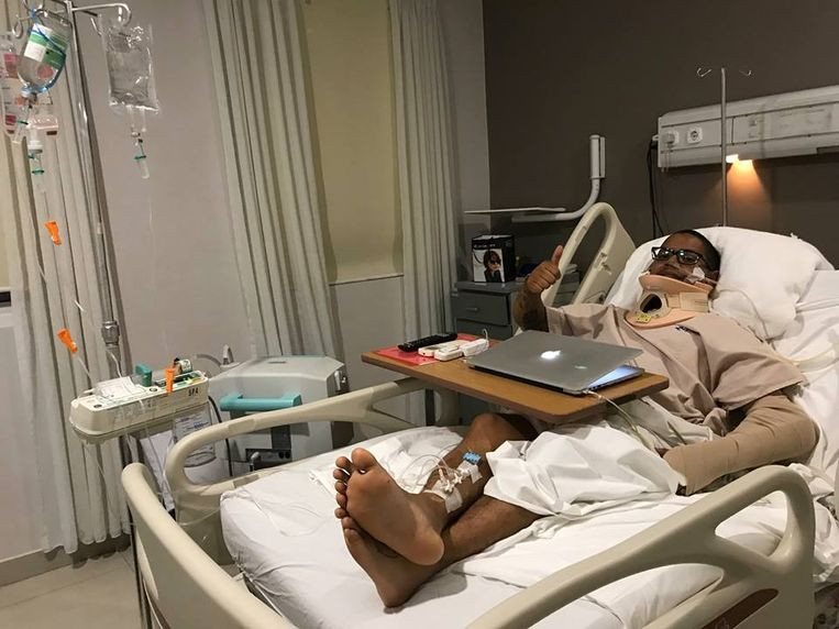 Mikey Lythcott heeft veel geluk gehad. Na verschillende operaties heeft hij op 3 september het ziekenhuis mogen verlaten. Maar hij mag pas naar huis vliegen wanneer de dokters daarvoor hun toestemming geven.