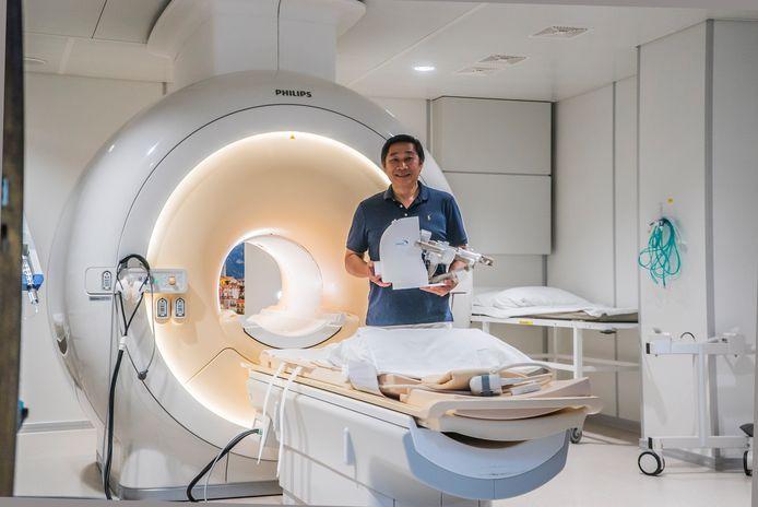Radioloog Ming Han en Robot Biopteur