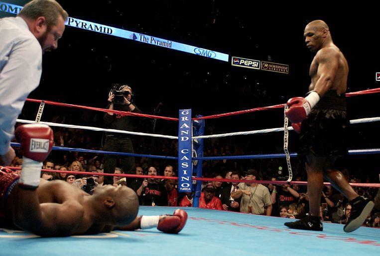 Een wedstrijd die Mike Tyson won van Clifford Etienne door hem knockout te slaan in de eerste ronde al.