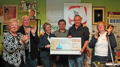 Vrijwilligers halen nieuw recordbedrag op voor Kom Opwijk Tegen Kanker